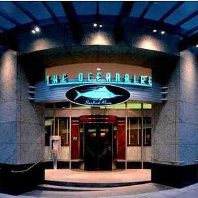 The Oceanaire Seafood Room – Team Metro
